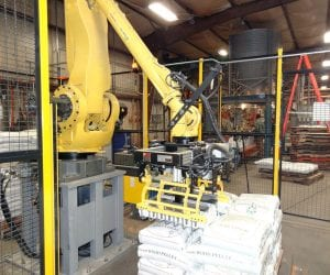 FANUC-robot-palletizing-pellets