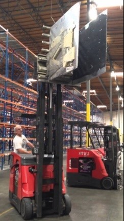 Carton-clamp-on-forklift