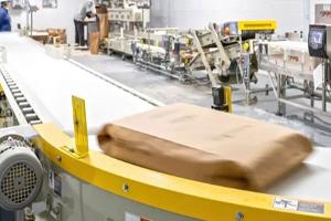 Food packaging conveyor