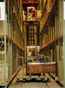 Raymond Lift Truck for Furniture Warehouses