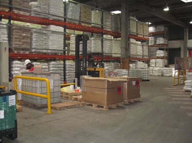 Warehouse pallet racking