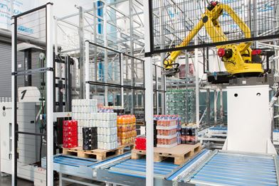 Robots picking in manufacturing facility