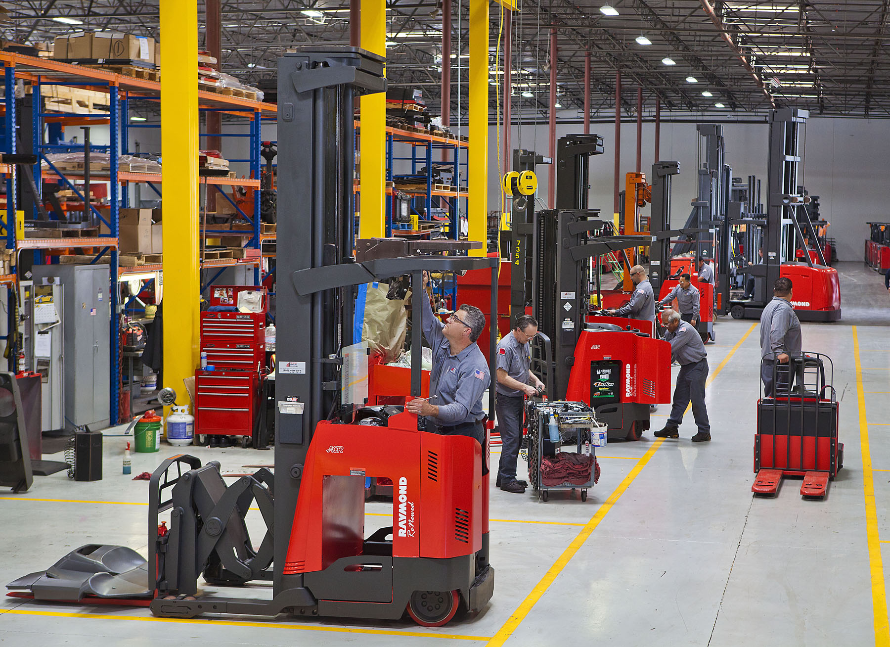 Comprehensive forklift maintenance program
