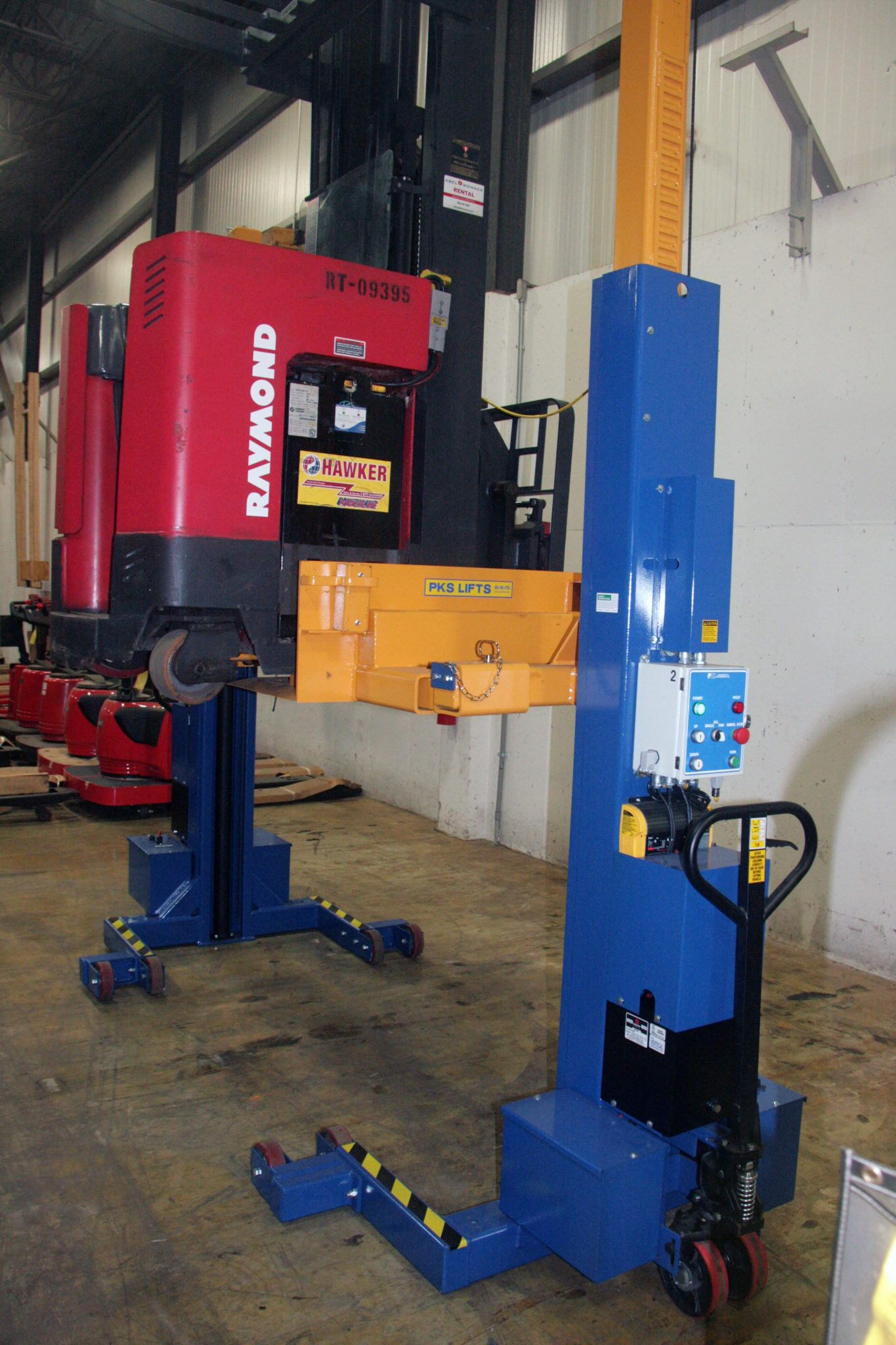 TechMate lifting reach truck