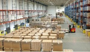 Warehouse_with-forklifts